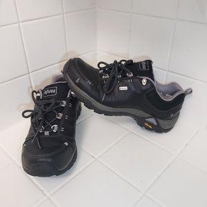 Ahnu Montara II Black Womens Hiking Shoes Size 7.5